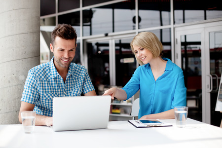 laptop-office-team
